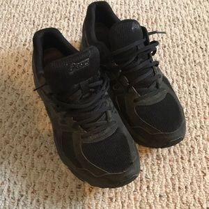 ASICS men's black sneakers